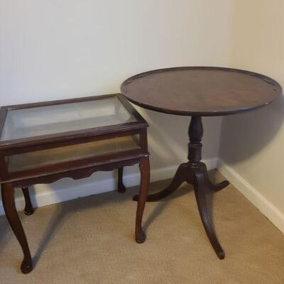 Brandt three leg tea table made of genuine mahogany is 26