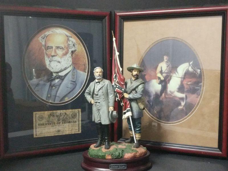 "1- Commanding Images of the Civil War, ""Robert E. Lee"" VNS2065400, Vanmark 2002. (13.5"" tall) 2- Collectible print with a copy of a Georgia Fifty Cent bill (12""x16"") 3- Print of Robert E. Lee on horseback. (12""x16"")  https://ctbids.com/#!/description/share/768465"