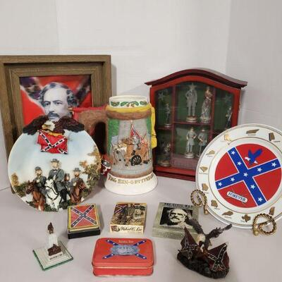 Collection of Civil war and Robert E. Lee memorabilia. Includes plates, playing cards and more. Stein 9.5