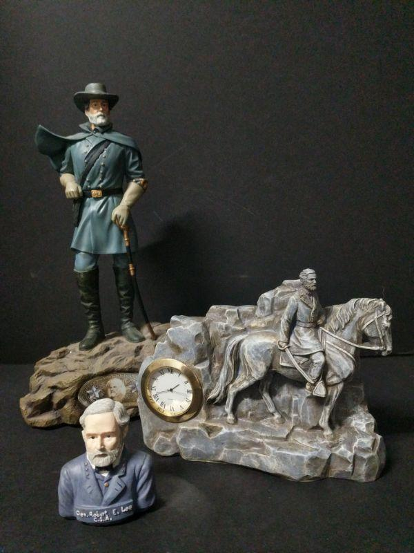"""Limited Edition Leading the Charge series """"General Robert E. Lee"""" figure measures 12"""" high. (No. A0657). Comes with a Lee stone clock and small bust. https://ctbids.com/#!/description/share/768495"""