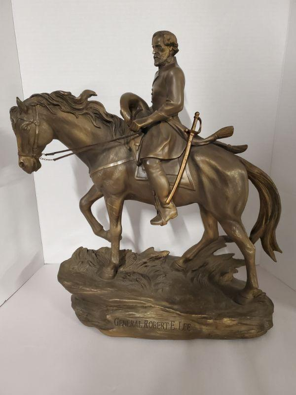 """Large bronzed masterpiece sculpture of Robert E. Lee by Bradford Exchange. Bradford Exchange description says it is a """"Cold Cast Bronze Sculpture"""". Limited edition #A0435. Only 5000 were made Dated 2010 15x8x17"""".  https://ctbids.com/#!/description/share/768471"""
