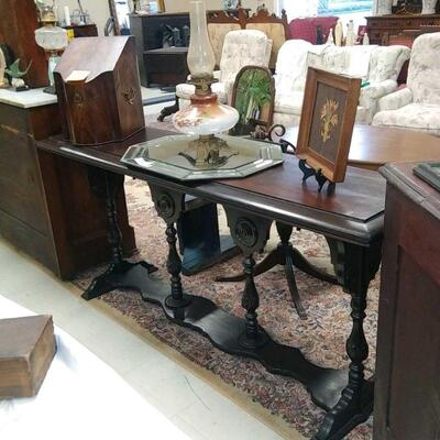 very nice early 1900's Entry or Sofa Table