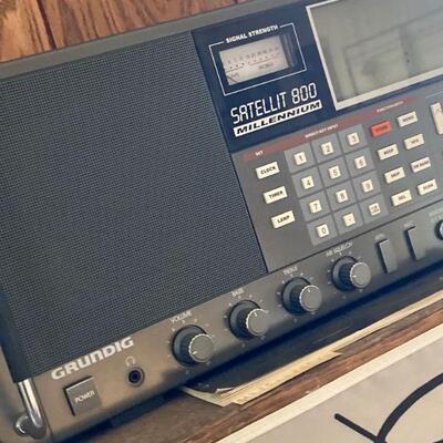 Grundig AM/FM /Short wave radio