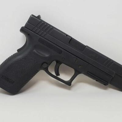 Lot 418	  Springfield XD-40 .40 SW Semi-Auto Pistol Serial Number: XD335935 Barrel Length: 5