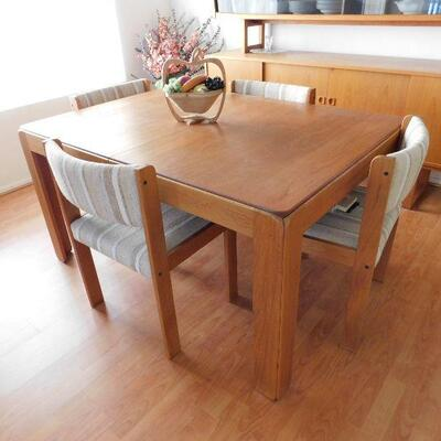 Made in Denmark table with chairs made by Illum Wikkelso for Niels Eilersen.