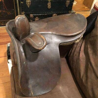 https://www.ebay.com/itm/114780271359WRY5018 Antique Leather  Western Saddle Auction