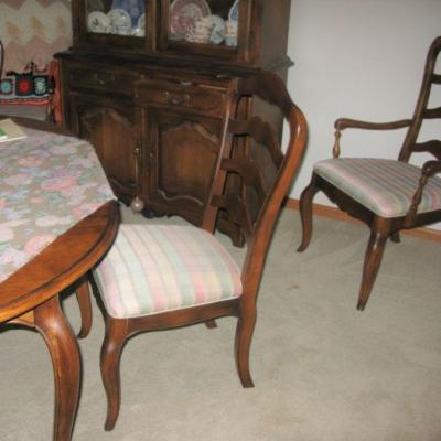 Ethan Allan dining room table with 2 leaves and 6 chairs                   BUY IT NOW $ 595.00