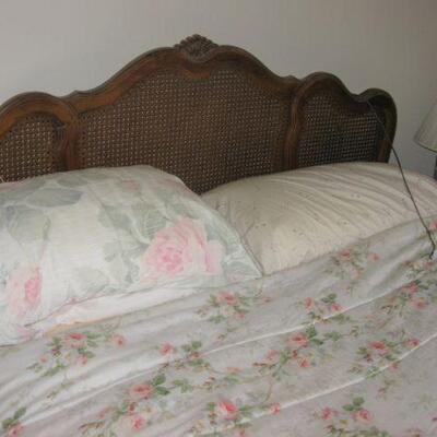 Thomasville queen size bed   BUY IT NOW $ 125.00