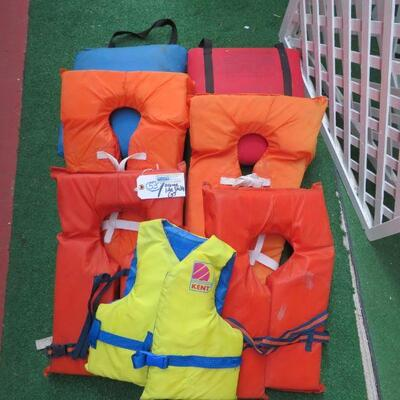 WATER LIFE JACKETS