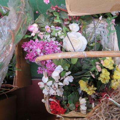 FAUX FLOWER WREATH, BASKET LOT