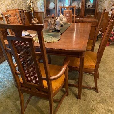 https://www.ebay.com/itm/114779766096CV9004 Mid Century Modern Dinning Room Table w/ 3 1FT Leaves -4/30/21 Pickup Only Estate Sale...
