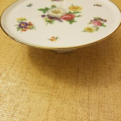 Vintage hand painted cake plate from Bavaria Germany. Bareuther Waldsassen #144