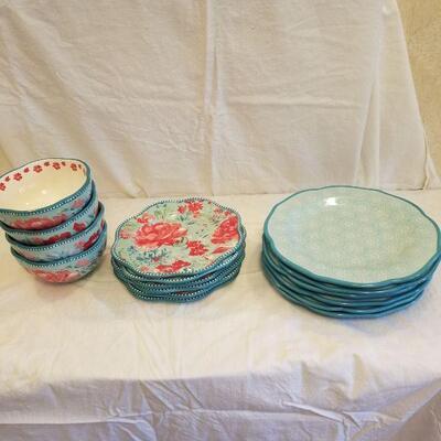 6x dinner plates, 6x salad plates & 4 bowls- The Pioneer Woman
