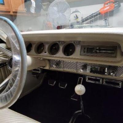 1965 Pontiac GTO dashboard detail