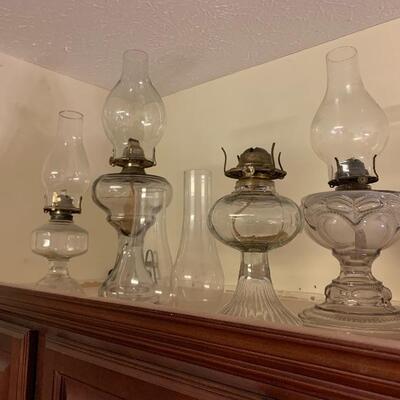 LOTS OF ANTIQUE OIL KEROSENE LAMPS