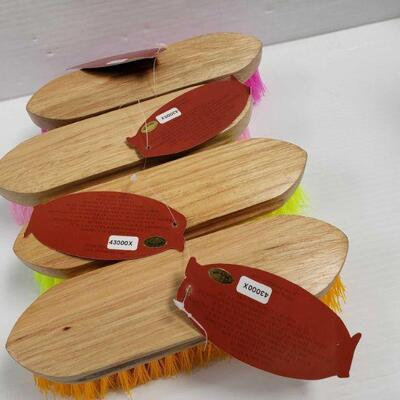120 4 Medium bristle brushes with wood handle measures 2