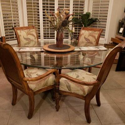 #4500 • Dinning Room Table, 4 Chairs and Lazy susan