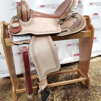 111 Horse saddle