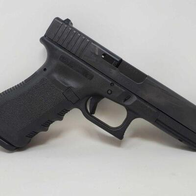 326 Glock 17 9mm Semi-Auto Pistol Barrel Length: 4.5