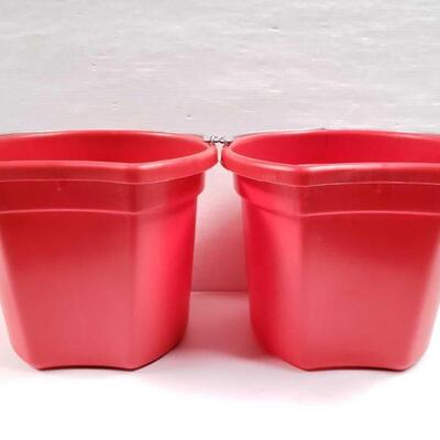 104 NEW Two (2) 20 Qrt. Flat back bucket, 11