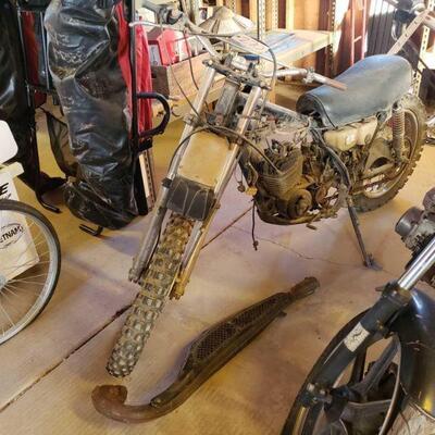 220: Honda MT 250 Dirt Bike VIN: MT250-2003970 Motor No: MT250E-2003948 Plate:  none Doc Fee:  $70