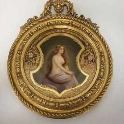 1001SIGNED HAND PAINTED PARTIAL NUDE DRESDAN PLATE IN AN ORNATE GILT FRAME. 9 IN DIAMETER