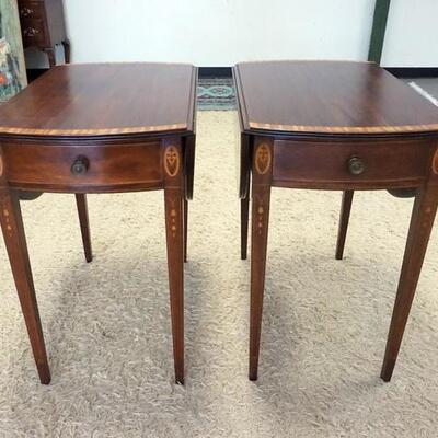 1003PAIR OF OVAL MAHOGANY BANDED ONE DRAWER DROP LEAF TABLES W/ BELL FLOWER INLAY. 39 IN OPEN 18 1/2 IN W CLOSED, 28 IN  X 29 IN