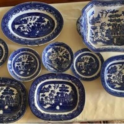 WCT011 - DECORATIVE BLUE WILLOW CHINA SET