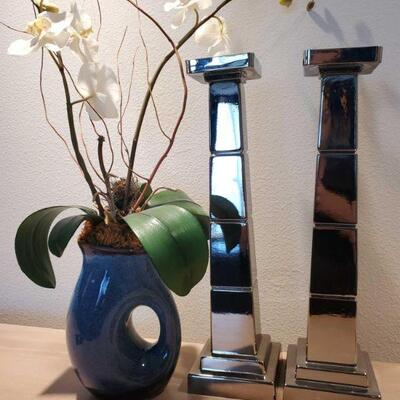 3038  2 Candle Sick Holders and Vase 2 Candle Sick Holders and Vase