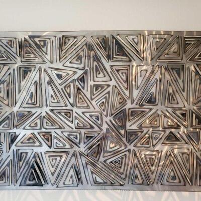 2500  Dan Das Mann Geometric Metal Artwork Measures approx 37