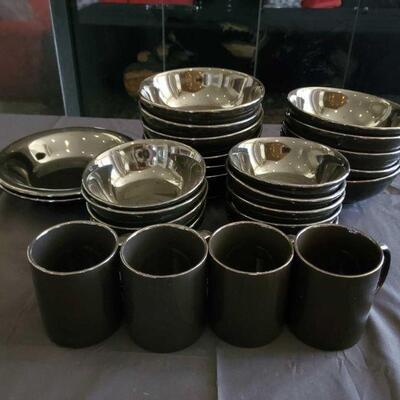2102  Black Dish Set Black Dish Set