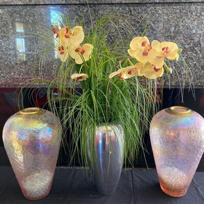 2112  3 Vases And Artificial Plant 3 Vases And Artificial Plant
