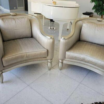 1000  2 Accent Chairs Measures approx 36