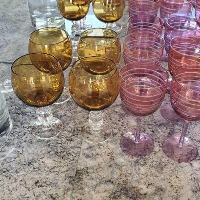 1024  4 Glass Goblet, 9 Wine Glasses and Desert Horizons Country Club Vase 4 Glass Goblet, 9 Wine Glasses and Desert Horizons Country...