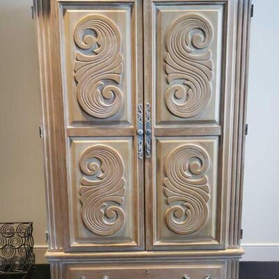 3000  American Drew Entertainment Armoire Measures approx 46