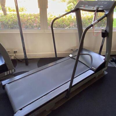 3500  Sports Art 3259 Treadmill Sports Art 3259 Treadmill