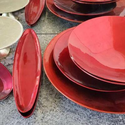 1018  Large Red Decorative Bowls, Platters and Cake Tray Large Red Decorative Bowls, Platters and Cake Tray