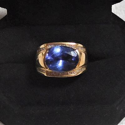 14k Ring w/Tanzt and Diamonds
