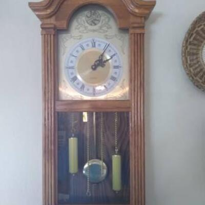 Vintage clock with Authenticity included