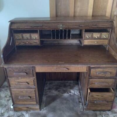 Vintage roll top desk with original key
