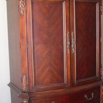 Mahogany tv cabinet and chest