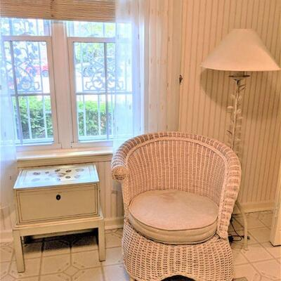 Very nice wicker chair with cushion and painted box on stand