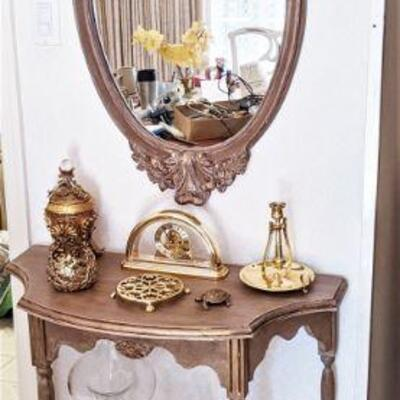 Matching table and mirror