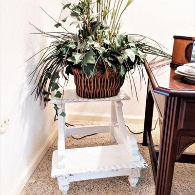 Shabby chic step stool and plant