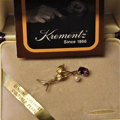 Krementz Amethyst and Pearl Pin