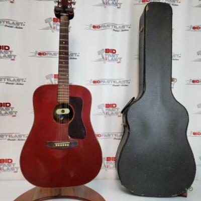 2014  Guild D25 Acoustic Guitar With Hard Case Serial Number :143454