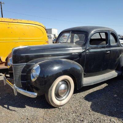 40  Classic Ford Deluxe Plate No: 2DVS216