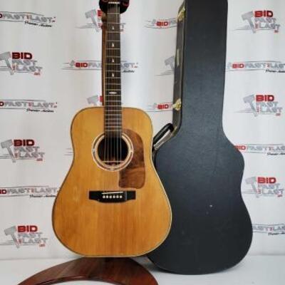 2010  1985 Handmade Arrowhead Acoustic Guitar With Hard Case 1985 Handmade Arrowhead Acoustic Guitar With Hard Case