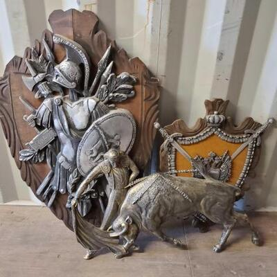 #4498 • ROMAN EMPIRE TROPHY OF ARMS AND ARMOR ARMOUR Plaque, Double Headed Eagle MEDIEVAL Plaque measures approx 27