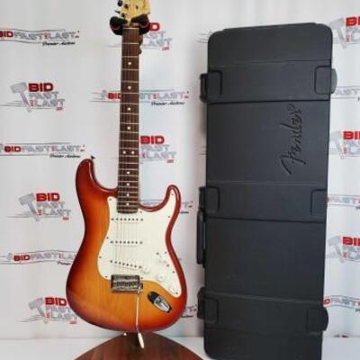 2038  Fender Stratocaster Electric Guitar With Hard Case Serial Number: Z8094684